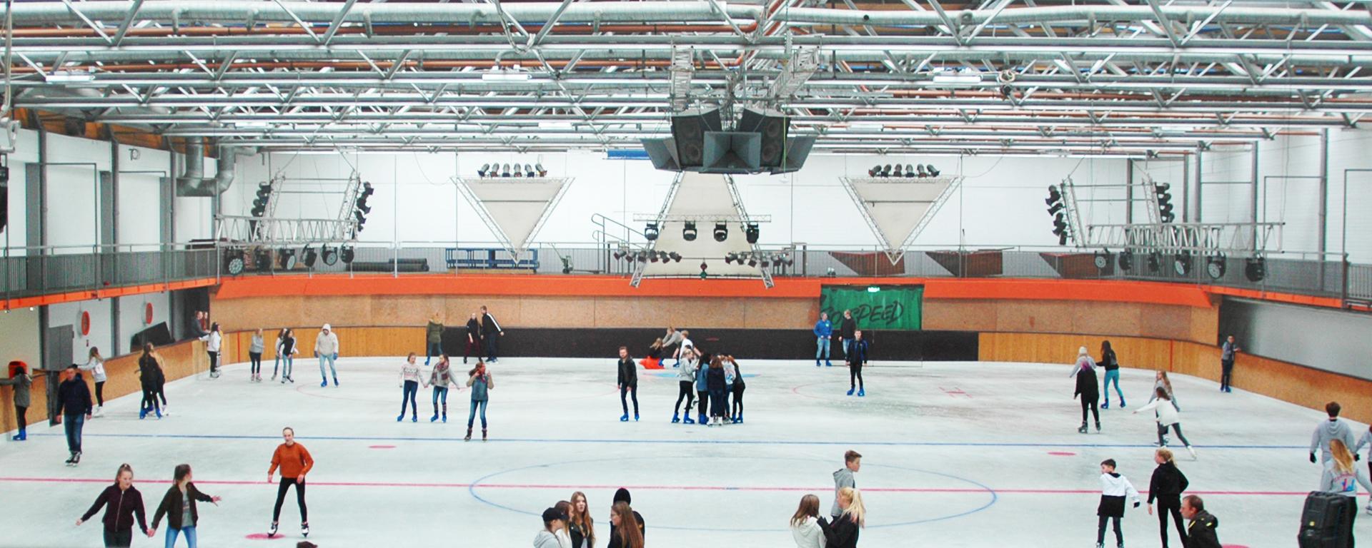 Eisdisco Schlittschuhlaufen Eishalle Adelberg Schorndorf Stuttgart